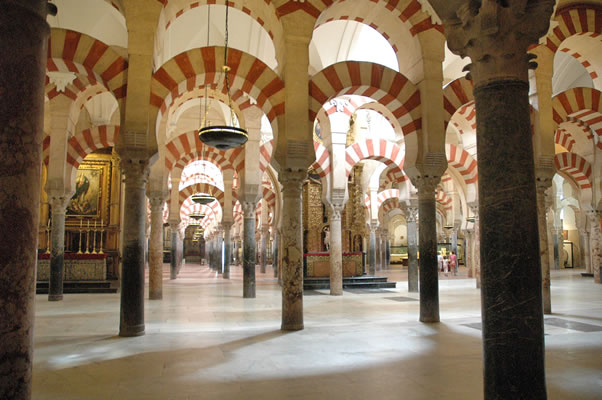 Transition between Al-Hakam and Almanzor's sections of Cordoba mosque